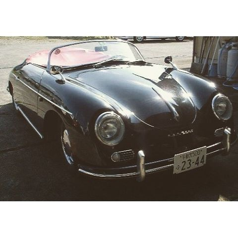 PORSCHE 356 SPEEDSTER以前乗っていた車です♪最近また、乗りたくなってしまいました(^_^;) 楽しい車です❣️ #クラシックカー #ポルシェ #356 #replica